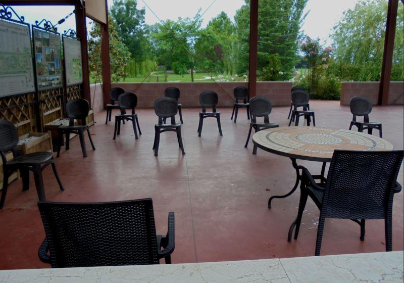 Il primo corso del dopo-covid è stato realizzato per un piccolo gruppo dipersone (12 corsisti) all'aperto.